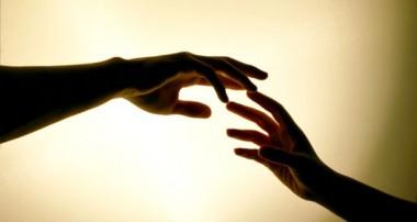 THƯƠNG NHAU ĐỂ ĐÓ… THÌ THÔI HAY LÀ MÌNH BUÔNG TAY?